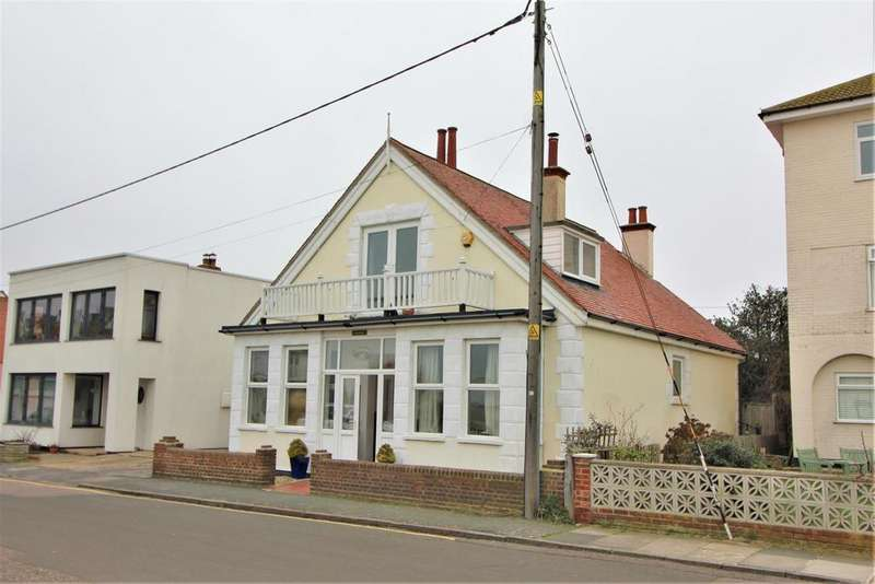 3 Bedrooms Detached House for sale in Green Lane, Walton On The Naze