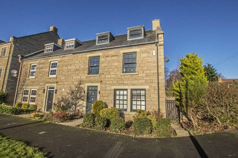 5 Bedrooms Town House for sale in Hallgarth Close, Corbridge
