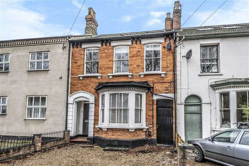 4 Bedrooms Terraced House for sale in Foster Hill Road, Bedford