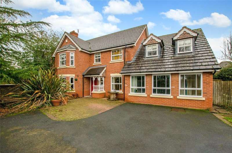 5 Bedrooms Detached House for sale in Teasel Way, Claines, Worcester, Worcestershire, WR3