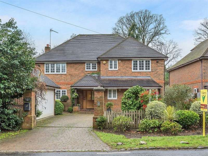 6 Bedrooms Detached House for sale in Brackendale Road, Camberley, Surrey
