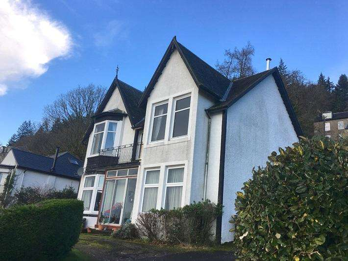 2 Bedrooms Flat for sale in Shore Road, Tighnabruaich PA21