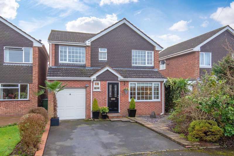 4 Bedrooms Detached House for sale in Berrymound View, Hollywood, B47