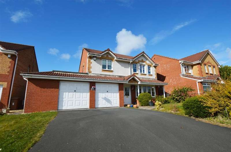 4 Bedrooms Detached House for sale in 4 Hawkhill Drive, Stevenston, KA20 3DF
