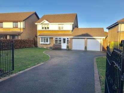 4 Bedrooms Detached House for sale in Chestnut Crescent, Hawarden, Deeside, Flintshire, CH5