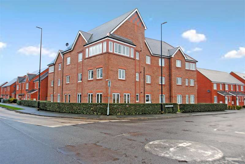 2 Bedrooms Apartment Flat for sale in Draybank Road, ALTRINCHAM, WA14