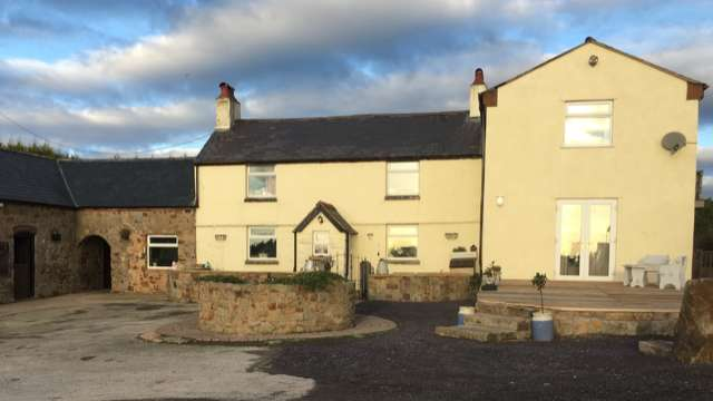 4 Bedrooms Equestrian Facility Character Property for sale in Halkyn CH8