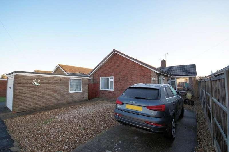 3 Bedrooms Detached Bungalow for sale in Johnson Drive, Bracebridge Heath, Lincoln