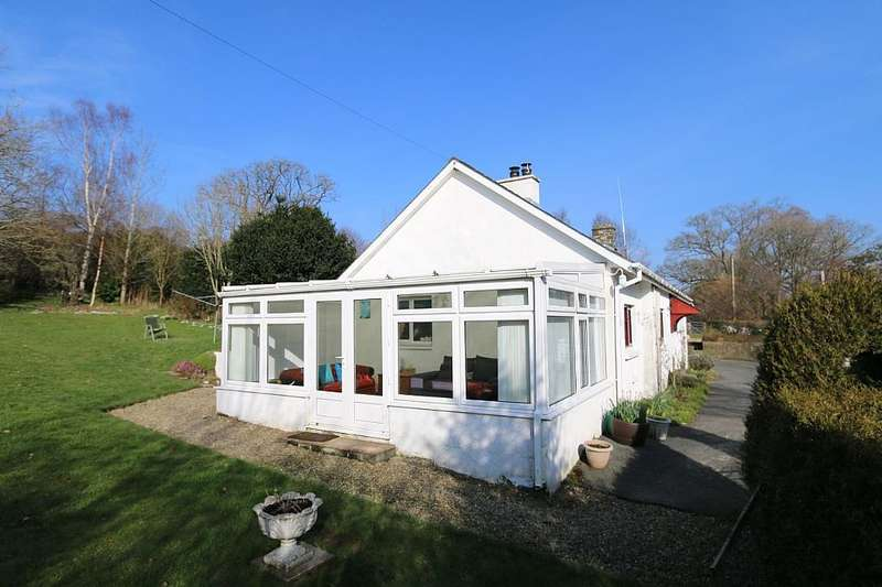 3 Bedrooms Detached Bungalow for sale in Talsarn, Lampeter, Ceredigion, SA48 8QE