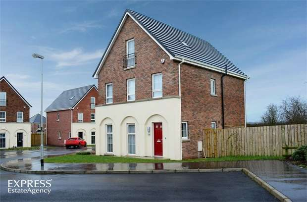 4 Bedrooms Detached House for sale in Hampton Place, Larne, County Antrim
