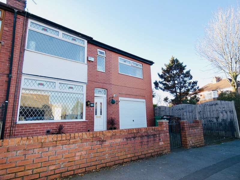 4 Bedrooms Semi Detached House for sale in Woodford Road, Failsworth, Manchester, Greater Manchester, M35