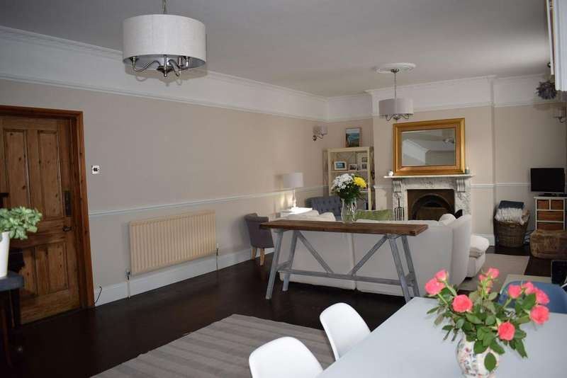 3 Bedrooms Cottage House for sale in East Street, Wareham BH20