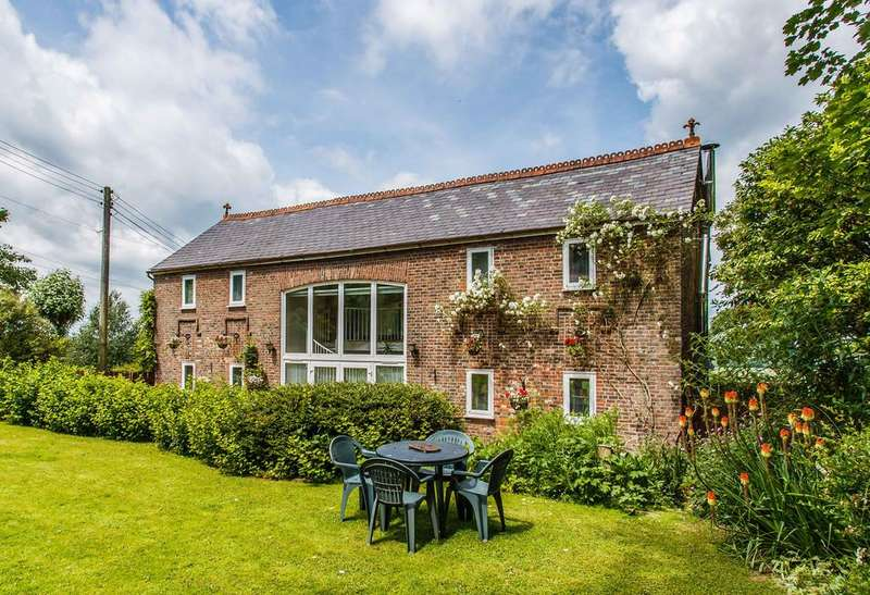 4 Bedrooms Barn Conversion Character Property for sale in Udimore, Near Rye, East Sussex TN31 6AR