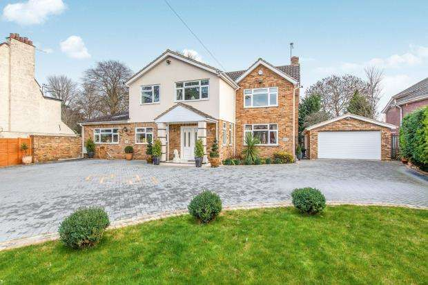 5 Bedrooms Detached House for sale in Oldfield Road, Maidenhead, Berkshire