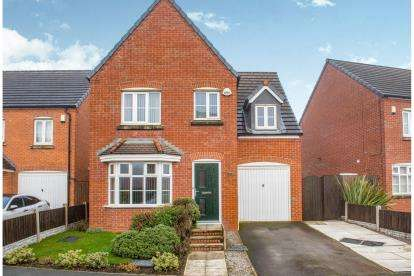 4 Bedrooms Detached House for sale in Chatsworth Fold, Wigan, Greater Manchester, Uk, WN3