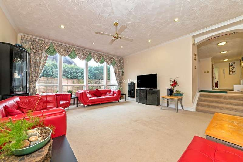 6 Bedrooms Detached House for sale in Chesham Avenue, Milton Keynes