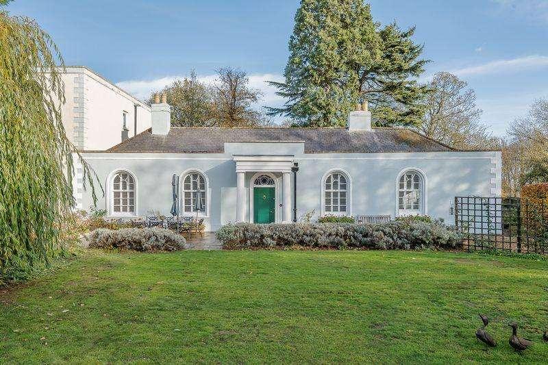 5 Bedrooms Semi Detached House for sale in Norman Cross, Peterborough, Cambridgeshire