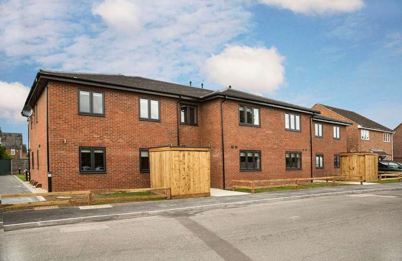 2 Bedrooms Duplex Flat for rent in Mortimer Common, Reading