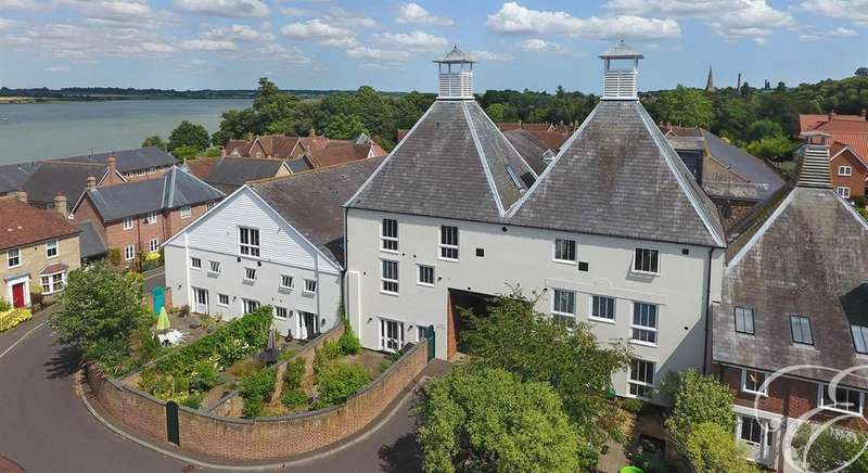 4 Bedrooms Town House for sale in Kiln Lane, Manningtree
