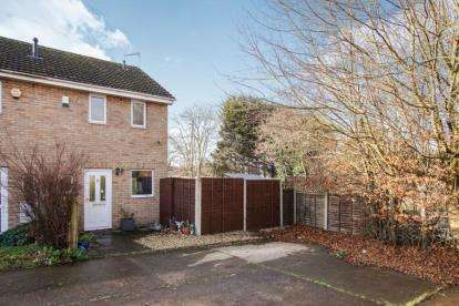 2 Bedrooms Semi Detached House for sale in Broadways Drive, Bristol, Somerset