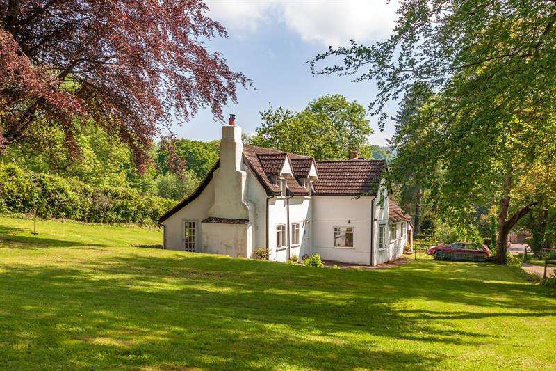 3 Bedrooms Detached House for sale in Ross Road, Longhope