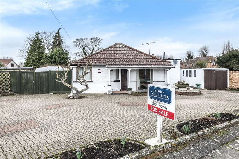 3 Bedrooms Detached Bungalow for sale in Lawn Avenue, West Drayton, Middlesex, UB7