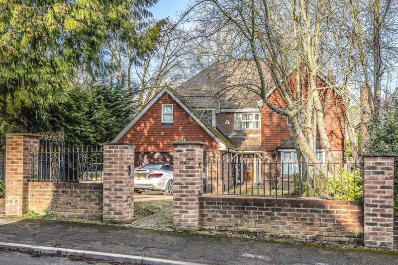 6 Bedrooms Detached House for sale in Lime Avenue, Camberley, Surrey, GU15