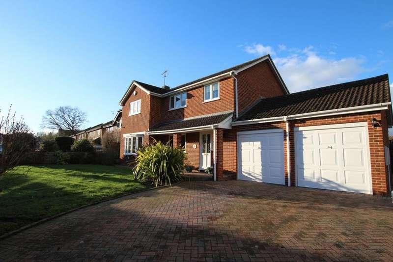 4 Bedrooms Detached House for sale in Finchampstead, Wokingham, RG40