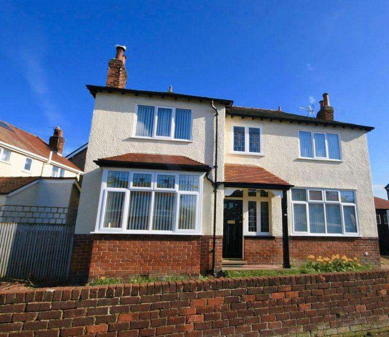 3 Bedrooms Detached House for sale in Station Road, Old Colwyn