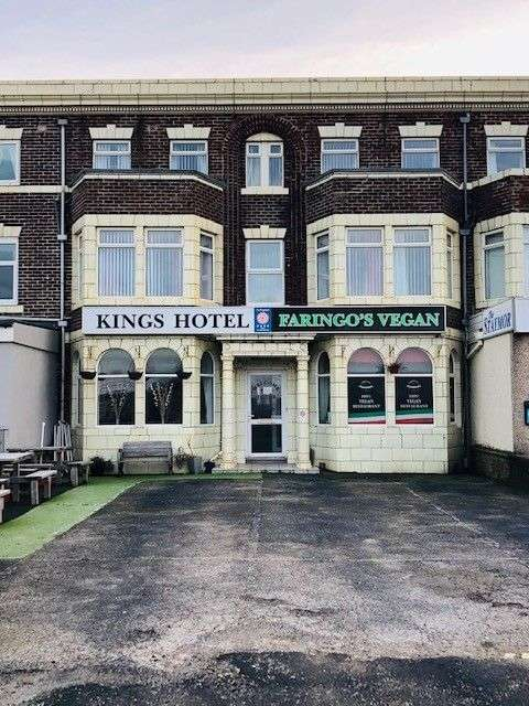 10 Bedrooms Hotel Gust House for sale in Kings Hotel, 553 New South Promenade, Blackpool, FY4 1NF