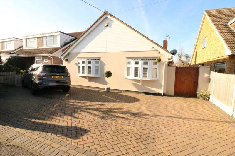 3 Bedrooms Detached Bungalow for sale in Kents Hill Road North, Benfleet
