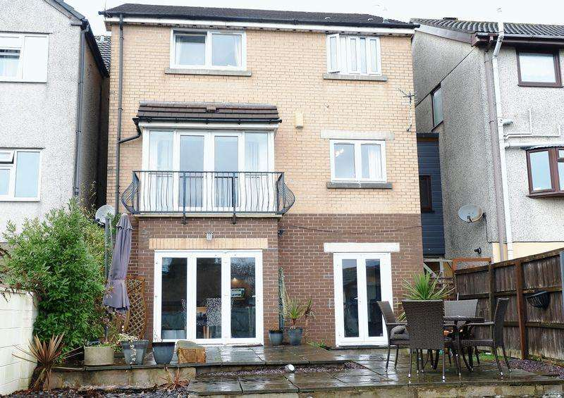 4 Bedrooms Detached House for sale in Llantrisant Road, Llantwit Fardre CF38 2HA