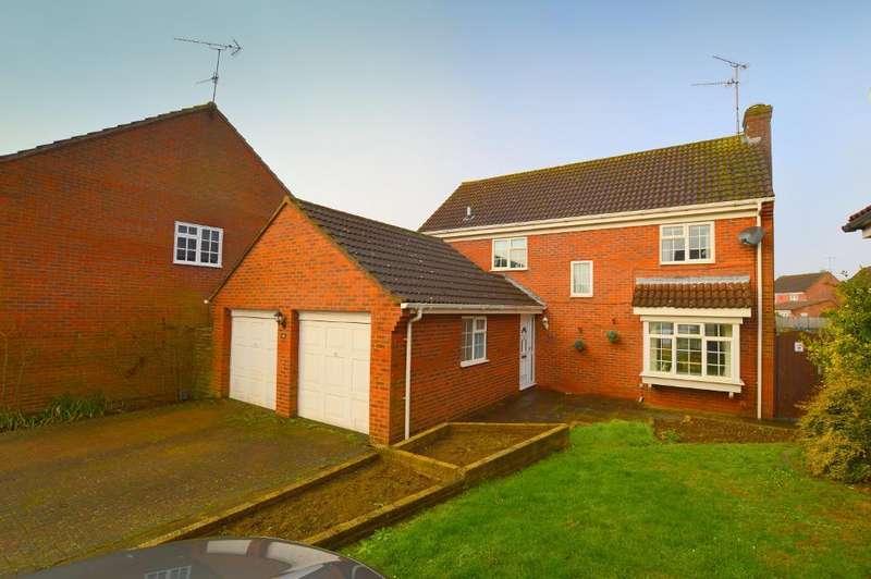 4 Bedrooms Detached House for sale in Cromer Way, Bushmead, Luton, LU2 7EE