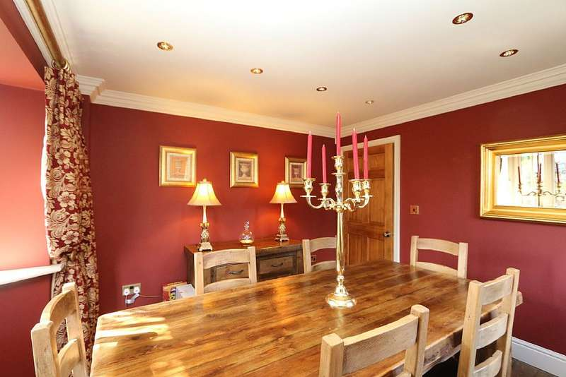 4 Bedrooms Detached House for sale in Slaynes Lane, Misson, Doncaster, South Yorkshire, DN10 6DY
