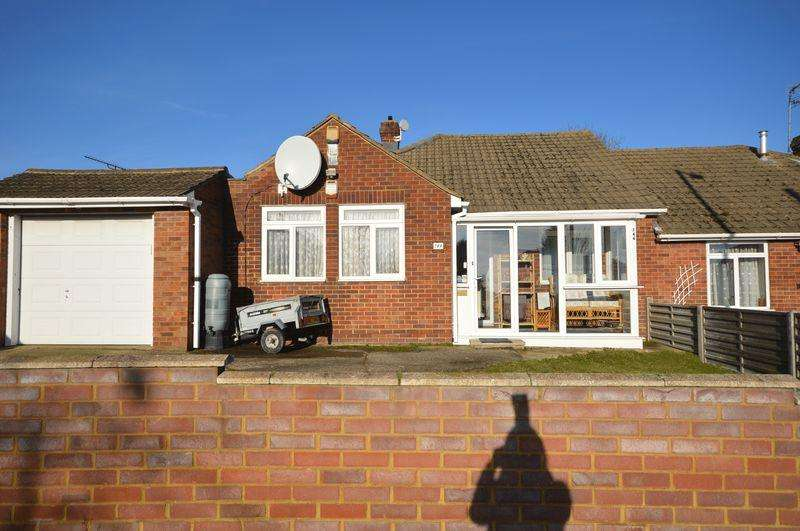 3 Bedrooms Bungalow for sale in Meyrick Avenue.