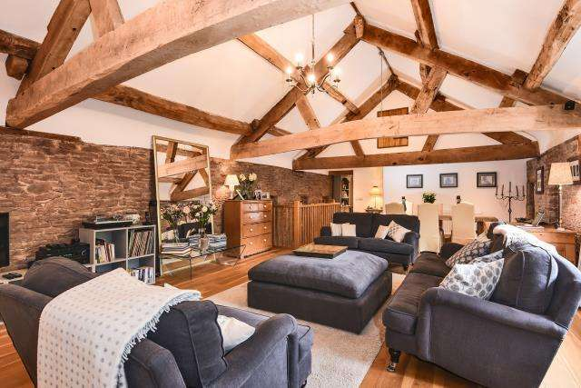 4 Bedrooms Detached House for sale in Hay on Wye 4 miles, West Herefordshire, HR3