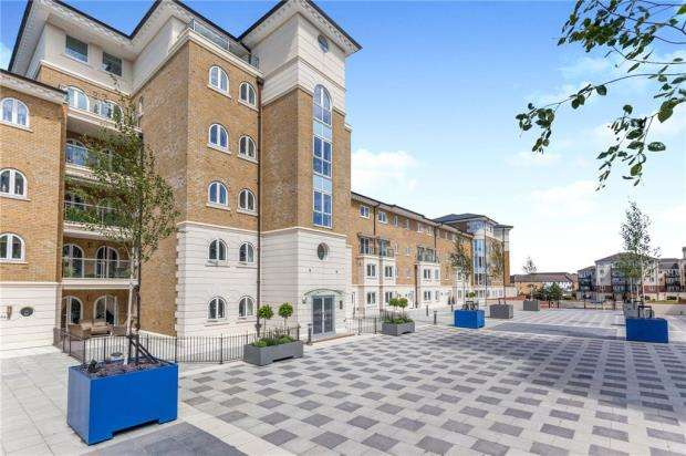 4 Bedrooms Terraced House for sale in Hamilton Quay, Sovereign Harbour North, Eastbourne