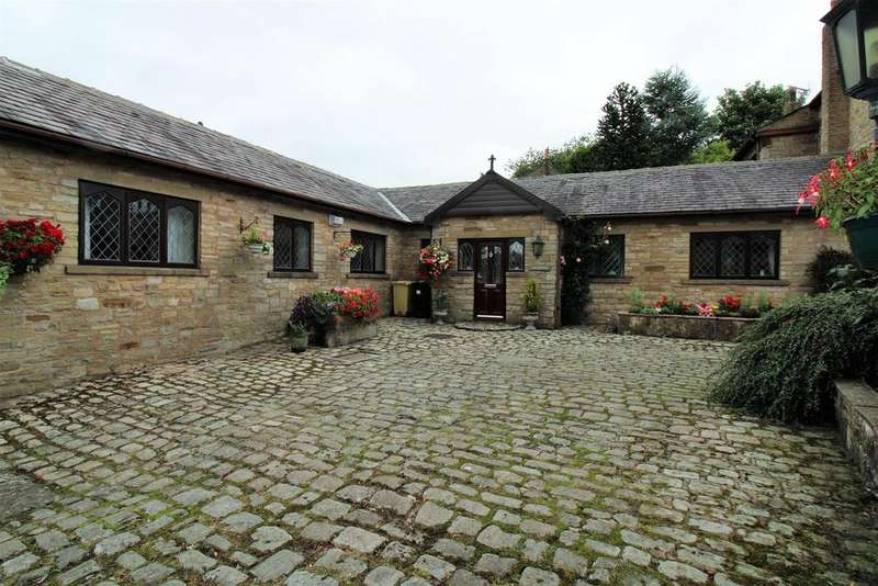 3 Bedrooms Bungalow for sale in Tottington Road, Bolton