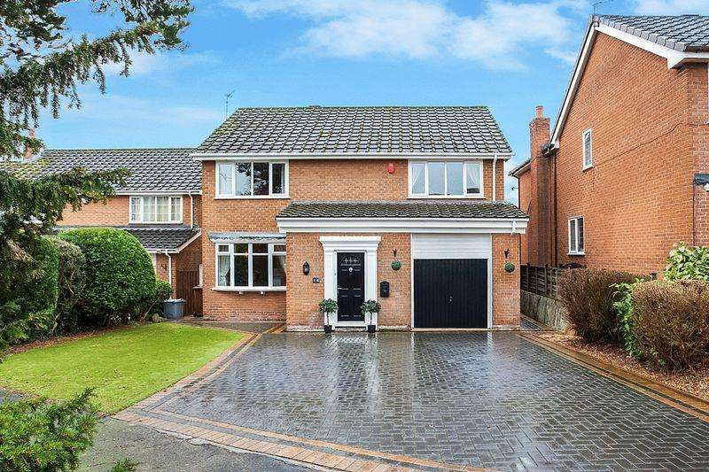 4 Bedrooms Detached House for sale in Hampshire Close, Congleton