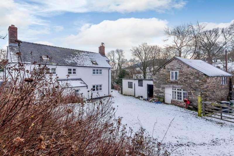 3 Bedrooms Detached House for sale in Froncysyllte, Llangollen
