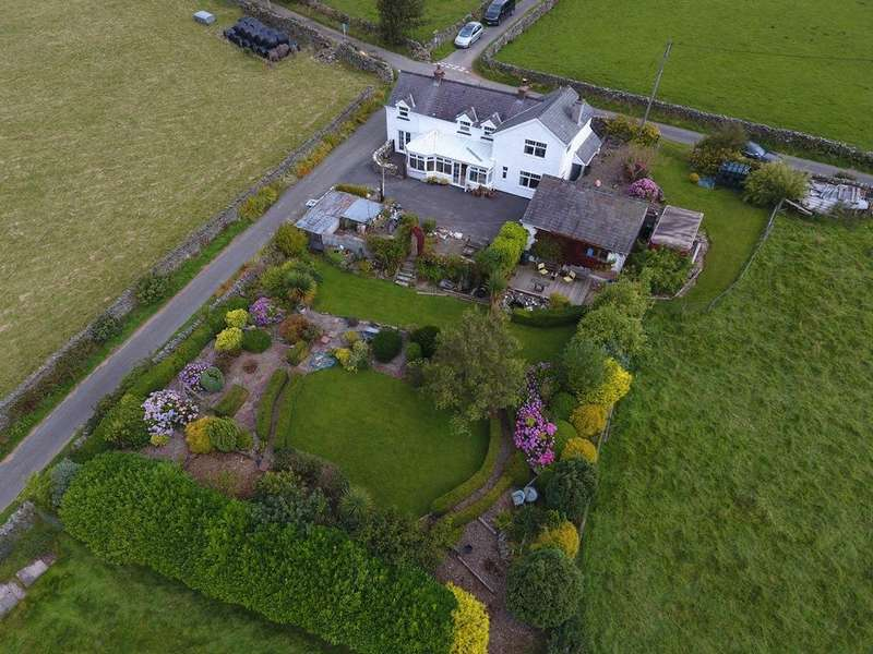 4 Bedrooms Detached House for sale in Cefn Brith, Cerrigydrudion, Corwen