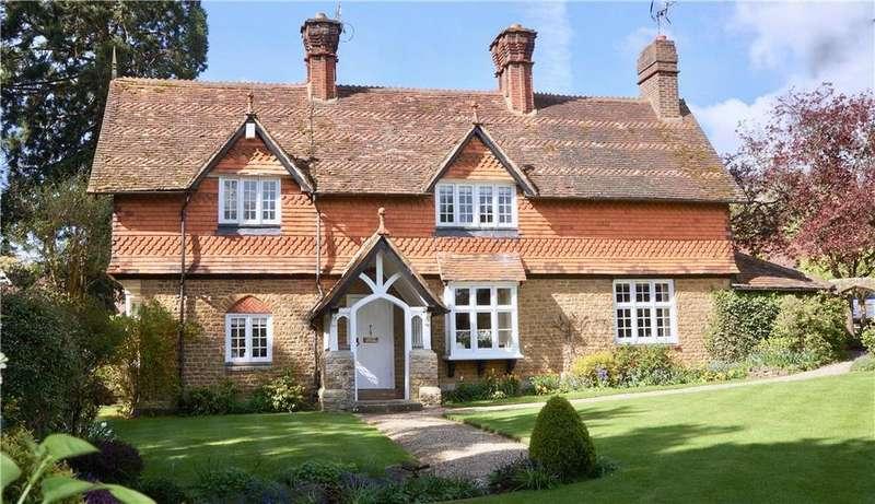 3 Bedrooms Detached House for sale in Eastbury Lane, Compton, Guildford, Surrey, GU3