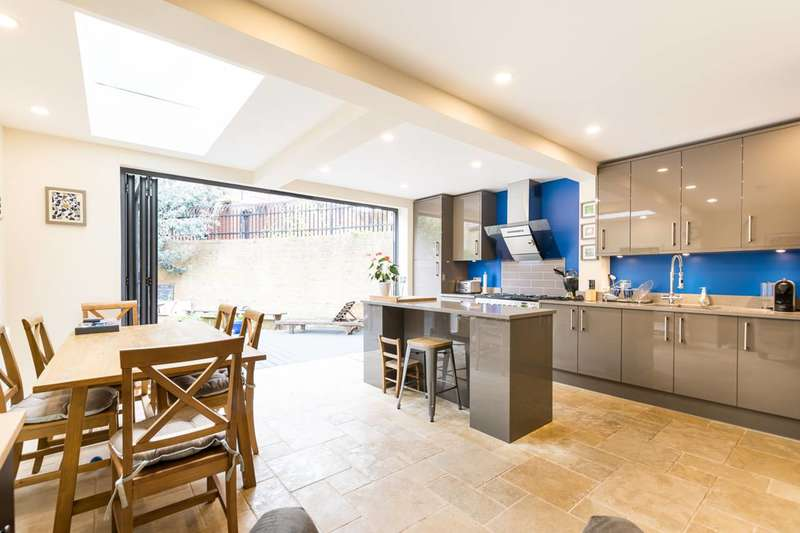 4 Bedrooms House for sale in Polperro Mews, Kennington, SE11