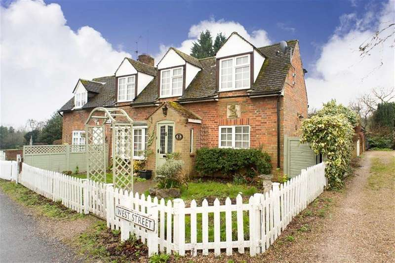 2 Bedrooms Terraced House for sale in West Street, Lilley, Hertfordshire