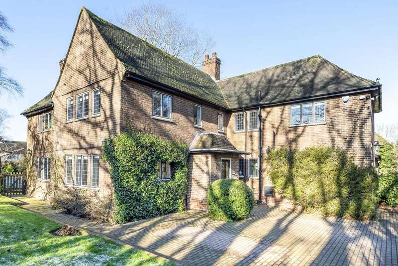 6 Bedrooms Detached House for sale in Leas Green, Chislehurst