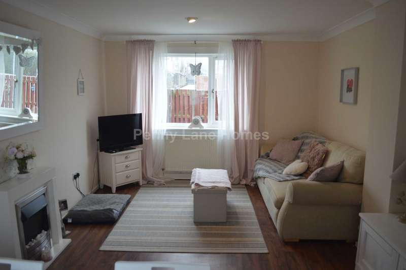 3 Bedrooms Terraced House for sale in Howden Drive, Paisley