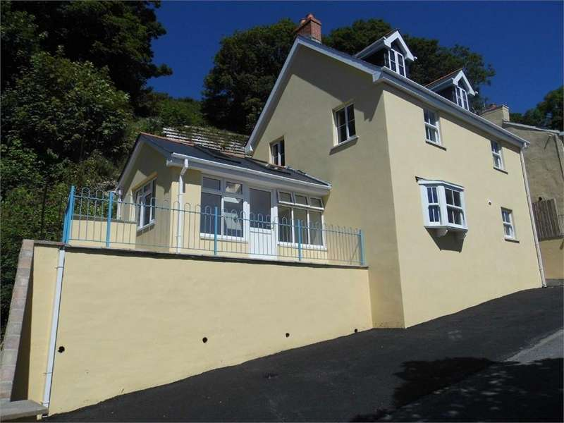 3 Bedrooms Detached House for sale in Laurel House, Goodwick, Pembrokeshire