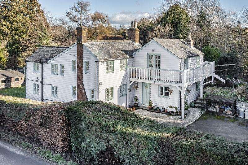 4 Bedrooms Detached House for sale in Brightling Road, Dallington