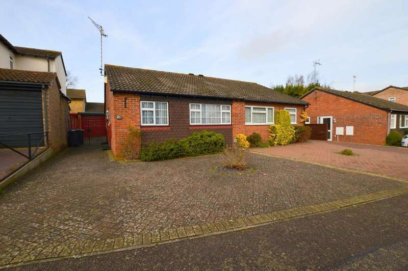 2 Bedrooms Bungalow for sale in Celandine Drive, Barton Hills, Luton, Bedfordshire, LU3 4AH
