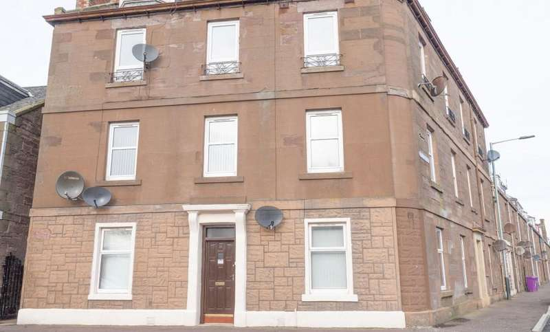 2 Bedrooms Flat for sale in Railway Place, Montrose